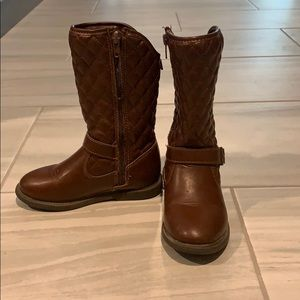 Gently worn Carter's size 10 Toddle boots